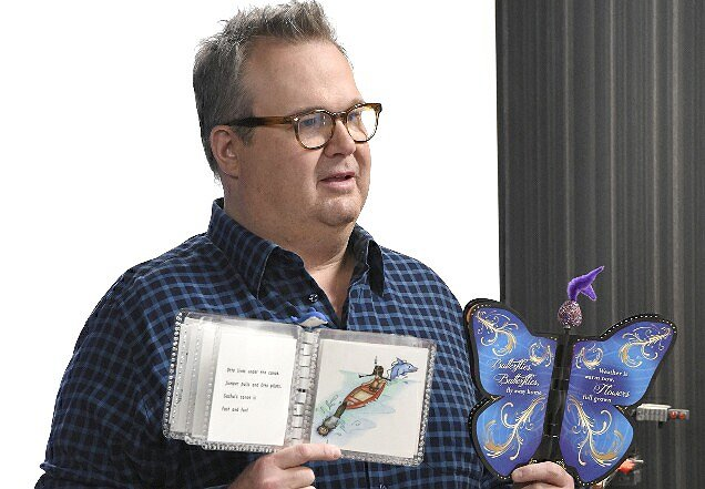 "Eric Stonestreet on His Role as Host of ABC's ""The Toy Box"""