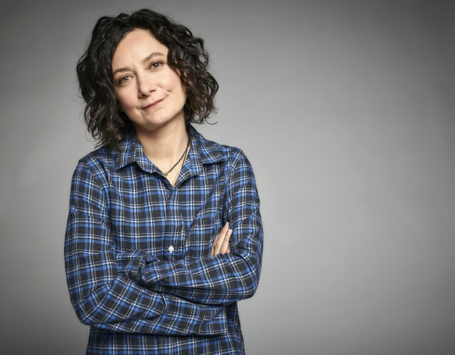 "Cover image for  article: ""Roseanne,"" ""The Talk"": Sara Gilbert Is the Master of Multi-tasking"