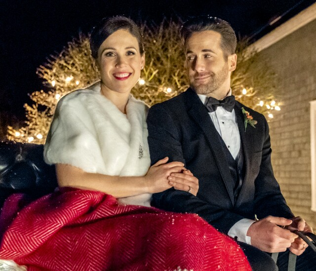 "Cover image for  article: Erin Krakow on Hallmark's Latest (and Last?) ""Father Christmas"" Movie"
