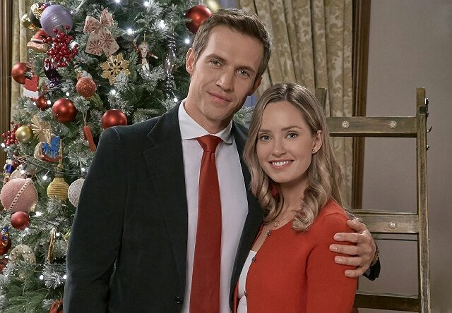 Christmas At The Palace.Hallmark Royalty Merritt Patterson Returns In Christmas