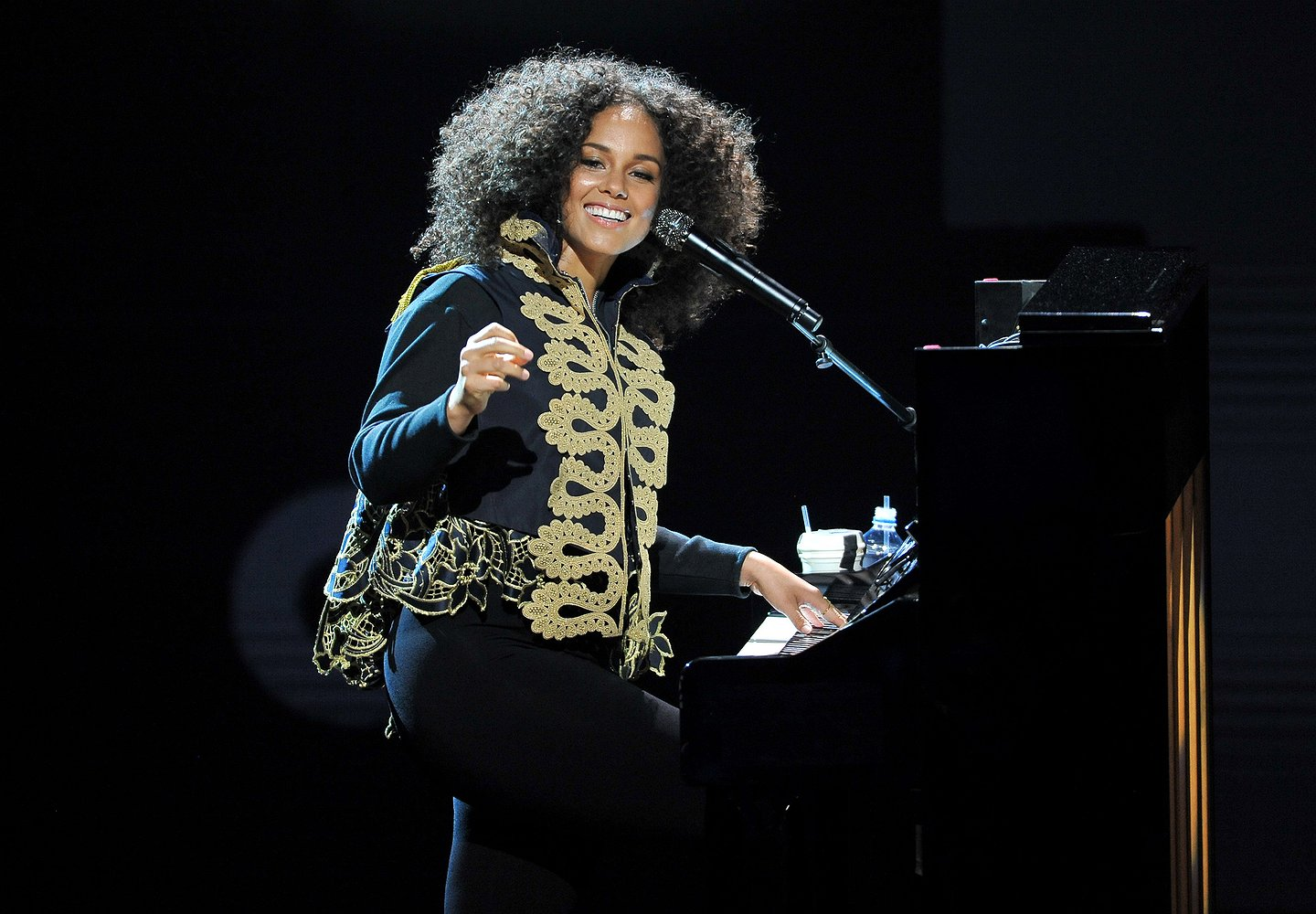 Upfront News and Views: BET and Alicia Keys Bring Down the House