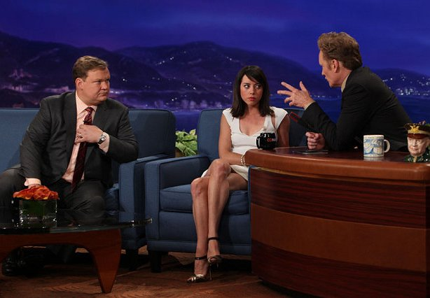 Top Moments: Aubrey Plaza Teaches Conan Self-Love, and Devious Maids Gets a Leg Up