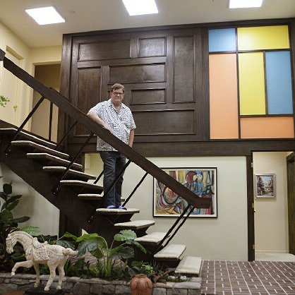 "Preview image for article: A Visit to HGTV's ""Brady Bunch"" House Is An Experience Unlike Any Other"