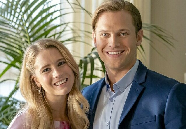 "Cassidy Gifford on Her Starring Role in Hallmark's ""Like Cats & Dogs"""