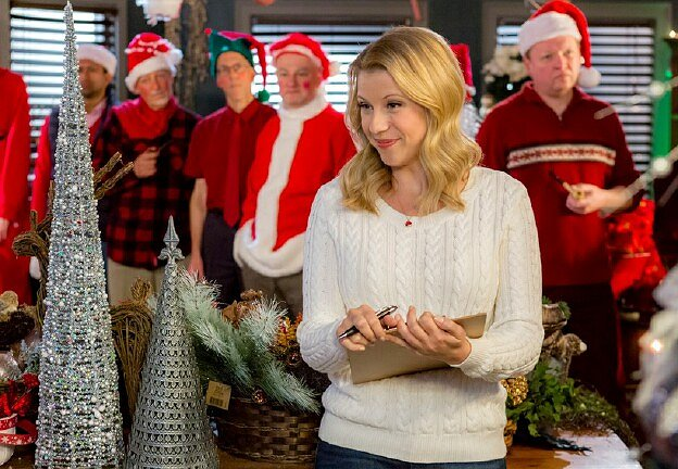 "Jodie Sweetin Saves Christmas in Hallmark Channel's ""Finding Santa"""