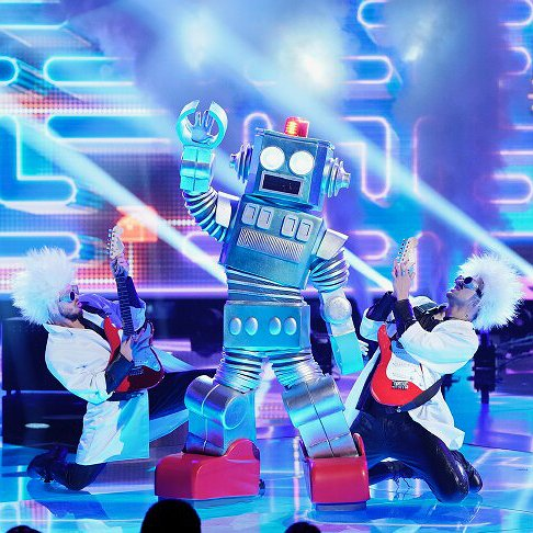"Preview image for article: Robin Thicke of ""The Masked Singer"" Promises a Post-Super Bowl Shocker"