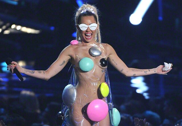 VMA Takeaway: Miley Cyrus is Boring