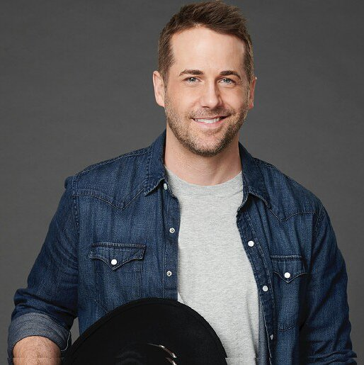 "Preview image for article: Niall Matter Hits the Right Note in Hallmark Channel's ""Country at Heart"""