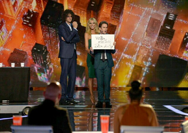 "Cover image for  article: ""AGT"" Favorites Oz Pearlman and Drew Lynch Advance to Finals"
