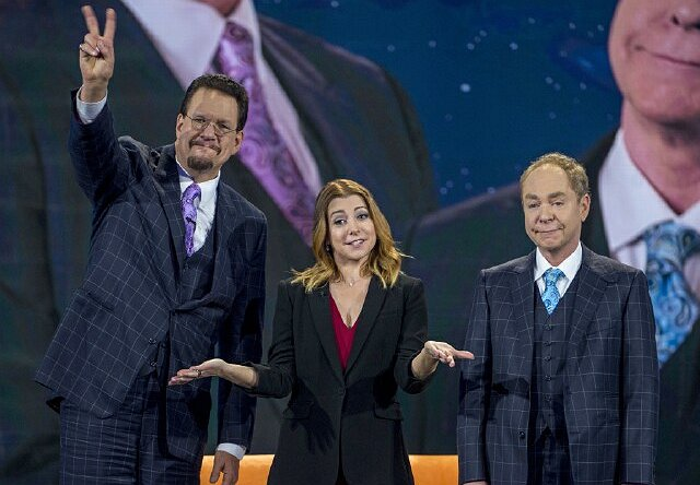 "Penn Jillette of The CW's ""Penn & Teller: Fool Us"": Forever a Friend of ""Friends"""