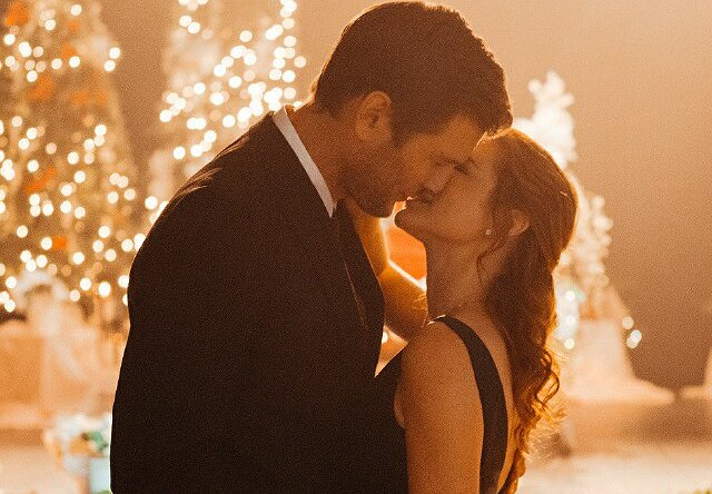 "Sarah Drew on Her Second Lifetime Christmas Movie, ""Twinkle All the Way"""