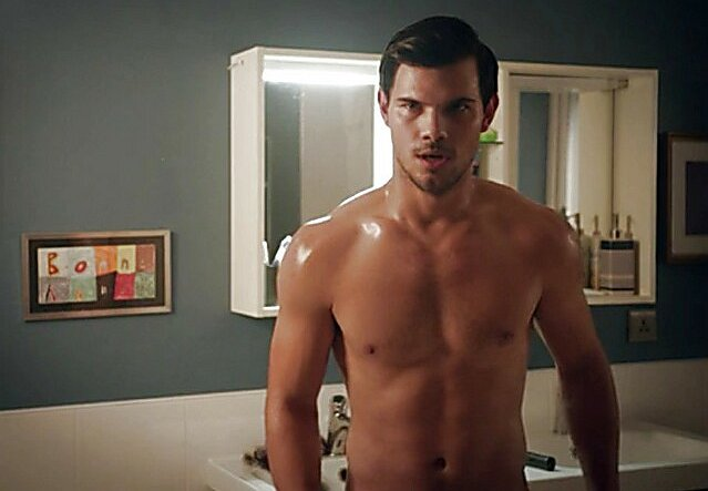 Download see the new form of actor taylor lautner video