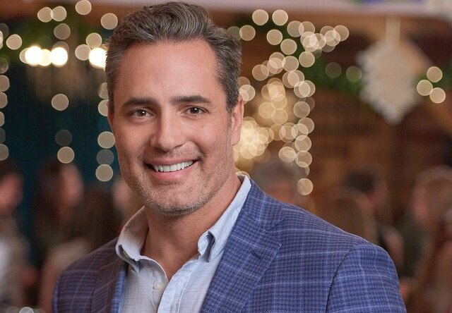 "Victor Webster of ""Homegrown Christmas"" Says His Life ""Is Like a Hallmark Movie"""