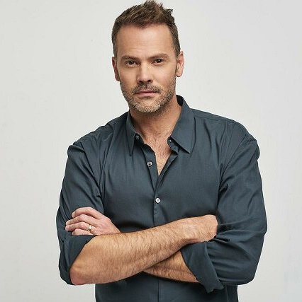 "Preview image for article: Barry Watson on His Lifetime Movie, a ""7th Heaven"" Reboot and Playing Lachlan Murdoch"