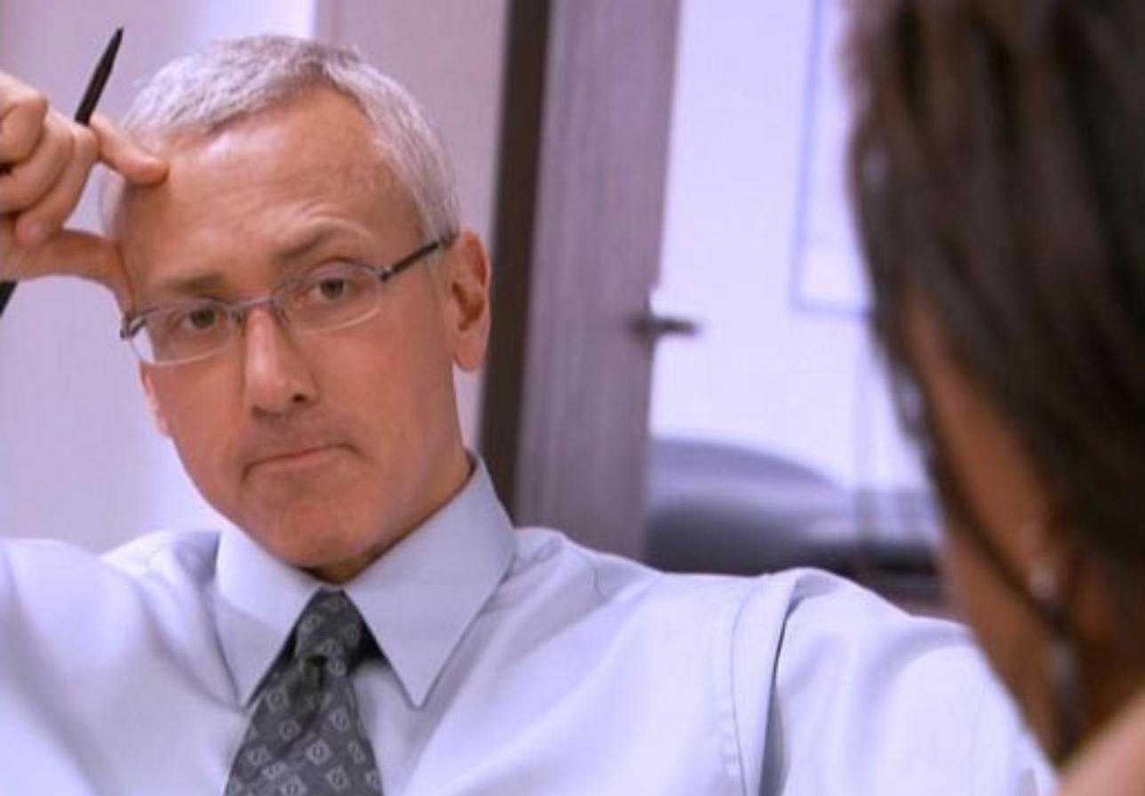 """Celebrity Rehab 2"": Exhausted, Dr. Drew Stays Up Late (and Says ""Sorry"" to Tom Cruise)"
