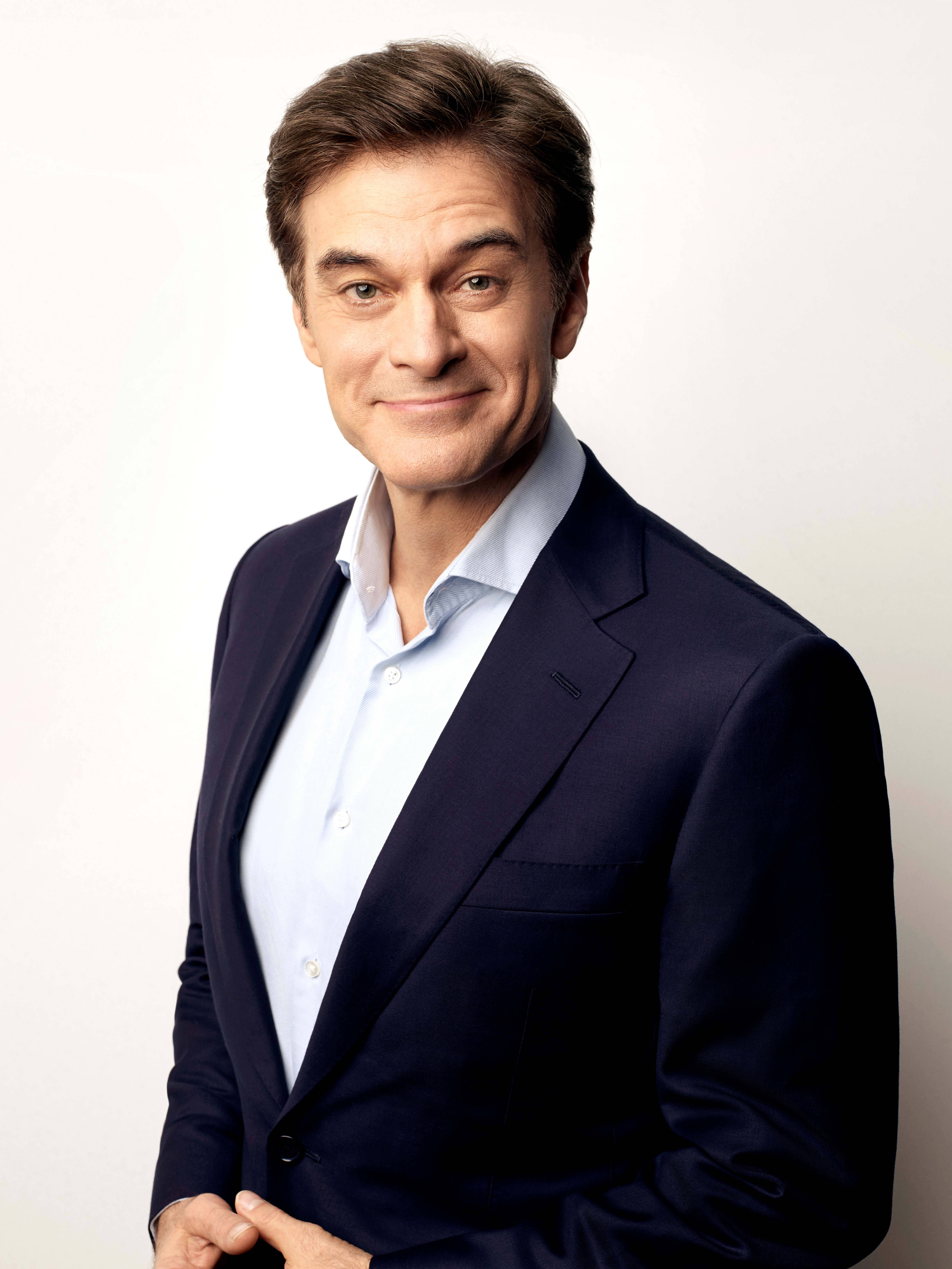Cover image for  article: Dr. Oz: 10 Years in and Still Leading the Way to Wellness