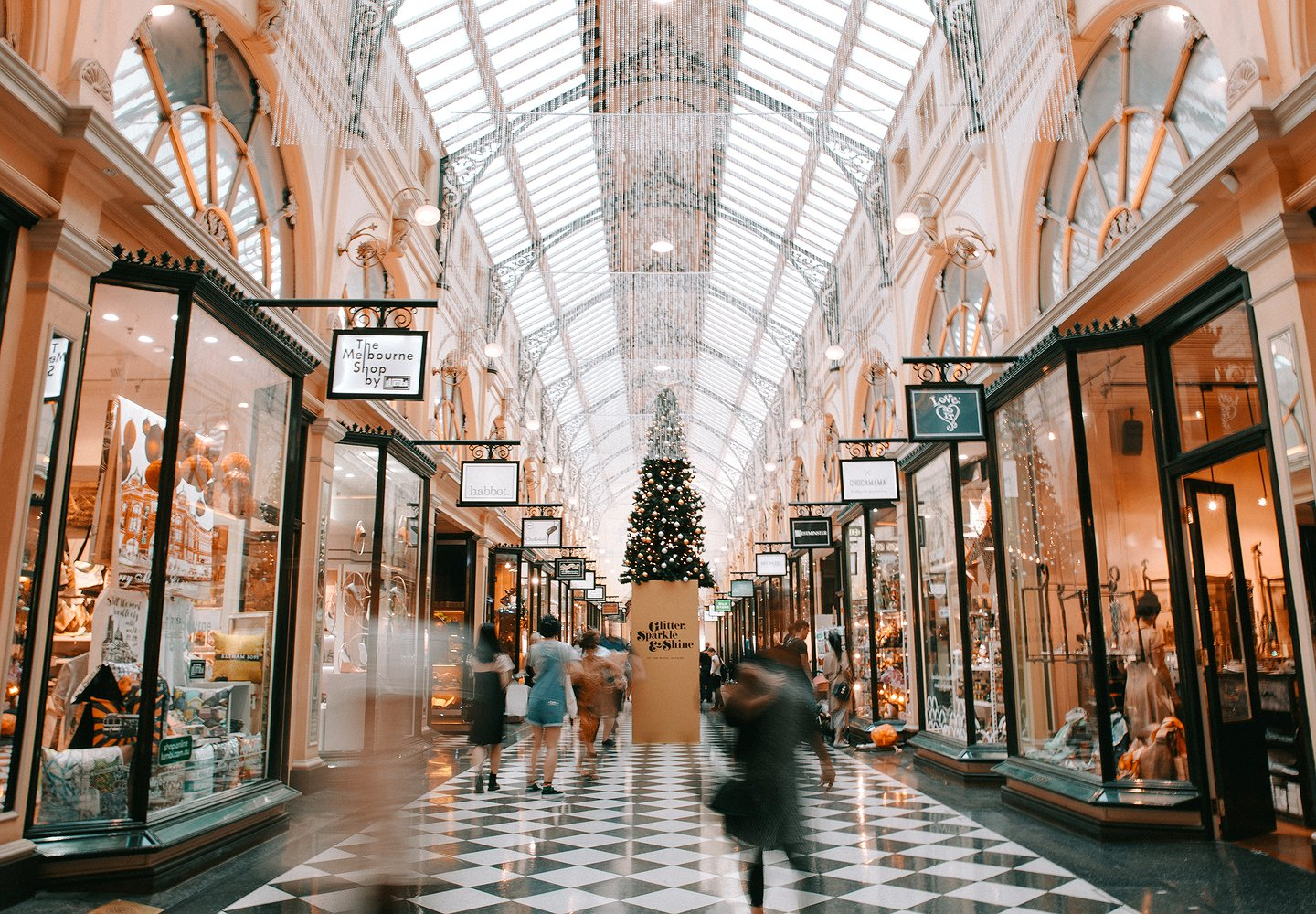 How Retailers Are Enticing Consumers to Purchase This Holiday Season