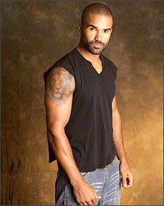 "Cover image for  article: Criminal Minds Star Shemar Moore Tells All About Co-Star Mandy Patinkin, His Recent Arrest and Those Nude Photos from that ""Gay"" Beach"